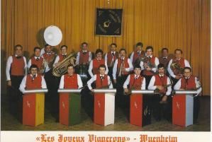 photo-1981-joyeux-vignerons.jpg
